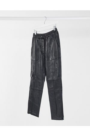 LAB LEATHER Jogging bottoms with pocket detail in black