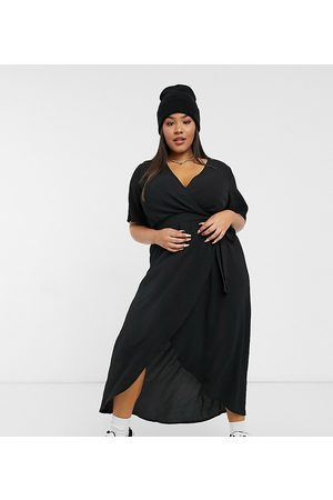 New Look New Look Curve classic flutter sleeve wrap dress in black