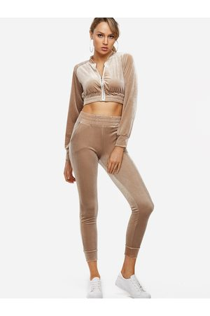 YOINS Active Cut Out Zip Design Elastic Tracksuit in Apricot