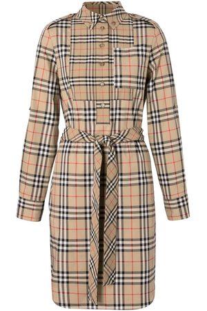Burberry Mujer Camiseros - Vestido camisero con lazo en la cintura y aplique del logo