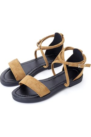 YOINS Suede Metallic Buckle Gladiator Sandals