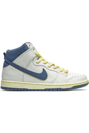 Nike Tenis SB Dunk High Pro