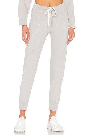 Varley Mujer Pantalones - Pantalón deportivo alice en color talla L en - Grey. Talla L (también en M, S, XS).
