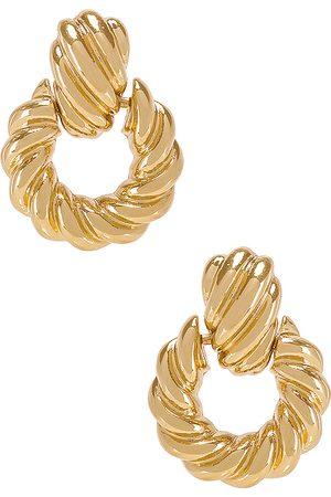 8 Other Reasons Aros rya en color oro metálico talla all en - Metallic Gold. Talla all.