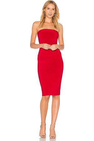 Norma Kamali Vestido de tirantes de largo hasta la rodilla en color talla L en - Red. Talla L (también en M, S).