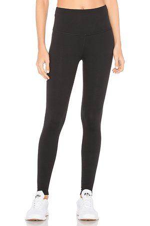 Beyond Yoga Legging recortado high waisted en color negro talla L en - Black. Talla L (también en M, S, XS).