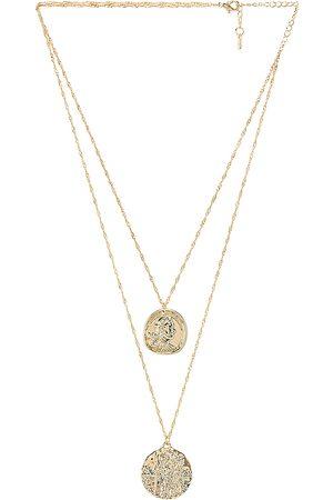Amber Sceats Collar superpuesto athens en color oro metálico talla all en - Metallic Gold. Talla all.