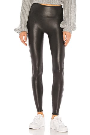 Spanx Petite faux leather legging en color talla L en - Black. Talla L (también en M, S, XS).