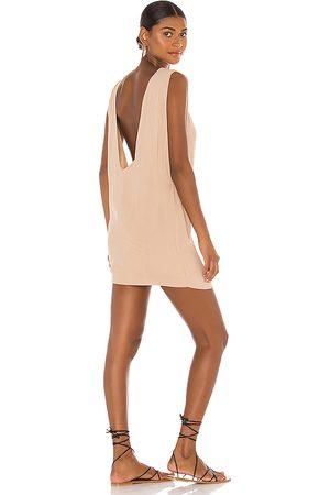 Indah Vestido pella en color bronce talla L en - Tan. Talla L (también en XS, S, M).