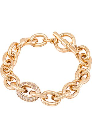 Ettika Brazalete en color oro metálico talla all en - Metallic Gold. Talla all.