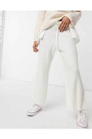 Ax Paris Ribbed knitted trousers in white