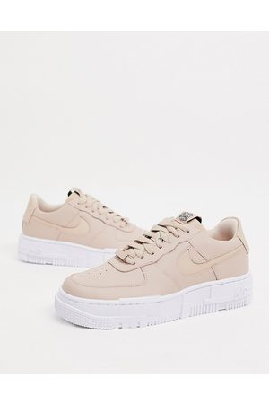 Nike Air Force Pixel in
