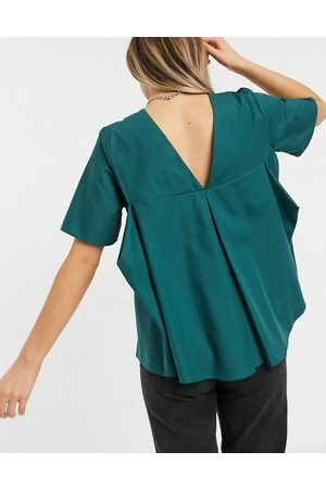 ASOS Short sleeve cotton top with pleat back in forest green