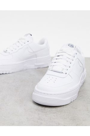 Nike Air Force Pixel in white
