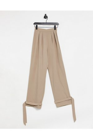 I saw it first Pleated front trouser in taupe