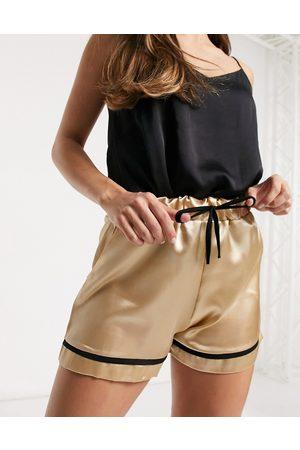 Outrageous Fortune Satin nightwear short in cream