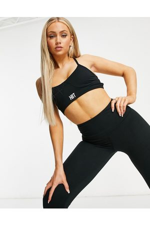 HIIT Peached lace up bra in black