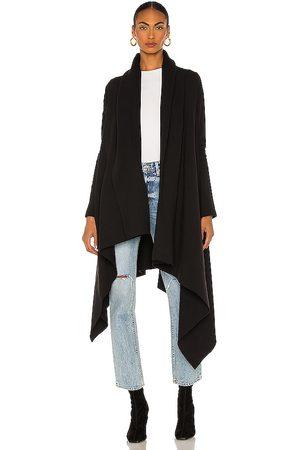 Norma Kamali Abrigo uneven en color talla S en - Black. Talla S (también en XS).