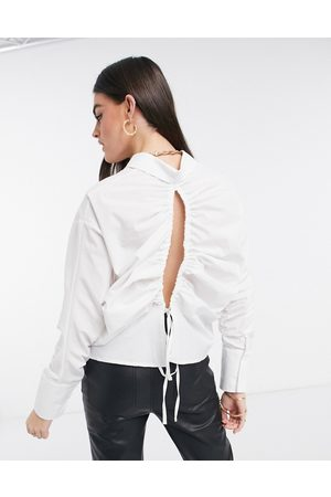 ASOS Mujer Camisas - Cotton shirt with channel open back detail in ivory