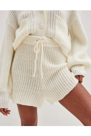 4th & Reckless Knitted runner short co ord in cream