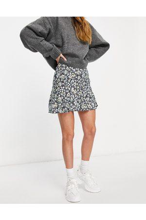 Motel Mujer Estampadas - Mini flippy skirt in dark floral