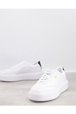 PUMA Oslo Femme trainers in white and black