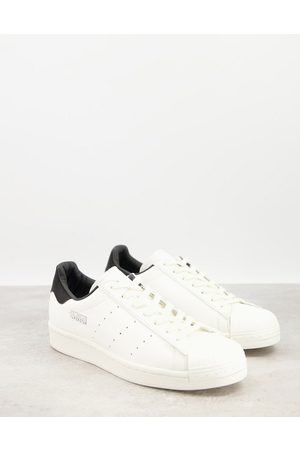 adidas Superstar trainers city series Los Angeles