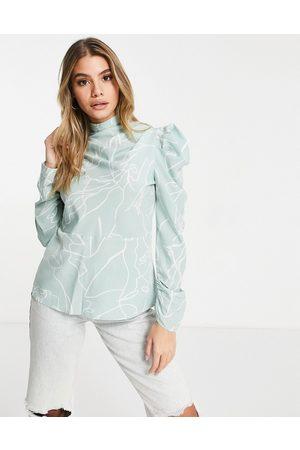 Ax Paris High neck blouse in print