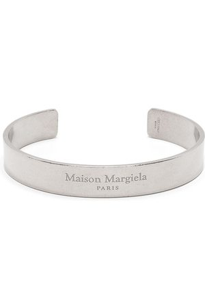 Maison Margiela Brazalete con logo grabado