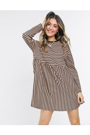 ASOS Mujer Casuales - Super oversized long sleeve smock dress in camel and black stripe