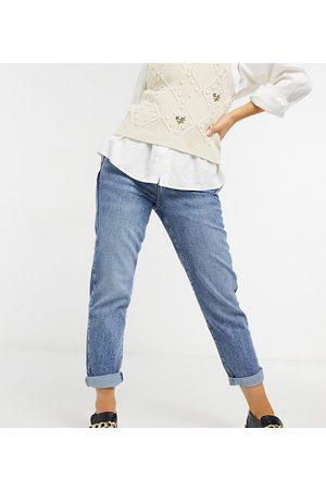 New Look Petite Waist enhance mom jeans in blue