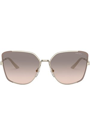 Prada Gafas de sol asia square en color gris talla all en Pale Gold Matte Pink & Pink Grey Gradient - Grey. Talla all.