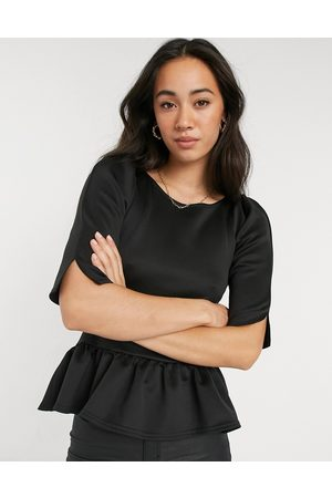Closet Peplum short sleeve top in black