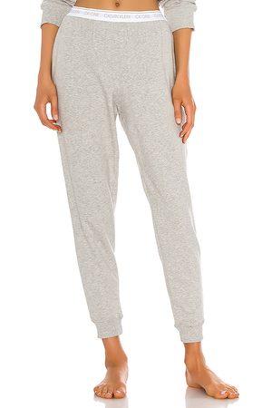 Calvin Klein Pantalón deportivo one basic lounge en color gris talla M en - Grey. Talla M (también en L, S