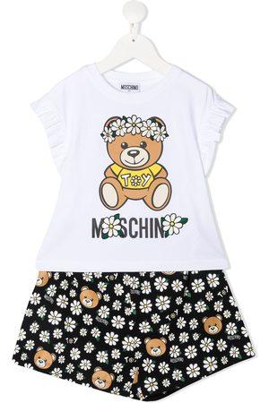 Moschino Set de pantalones cortos y camiseta