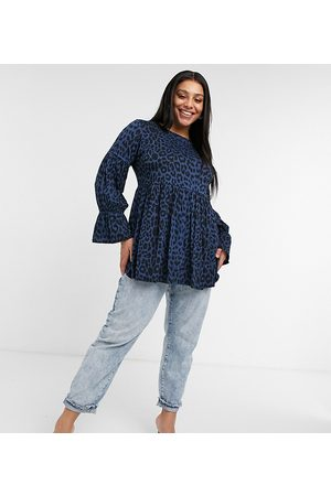 Yours Smock top with balloon sleeves in navy leopard print