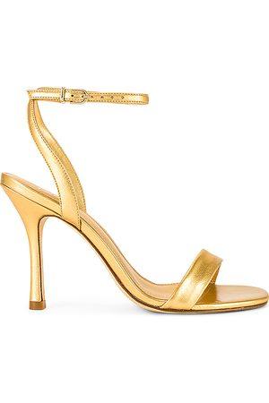 Larroude Tacón nyx en color oro metálico talla 10 en - Metallic Gold. Talla 10 (también en 5.5, 6, 6.5, 7, 7.5, 8, 8.5, 9, 9.5)