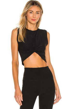 Beyond Yoga Mujer Playeras - Camiseta tirantes twist of fate en color negro talla L en - Black. Talla L (también en M, S, XS).