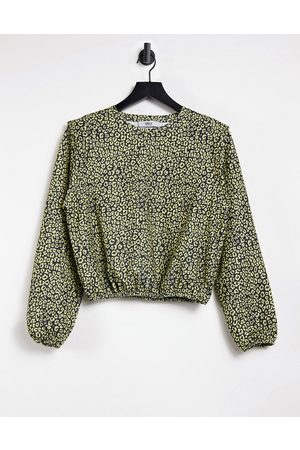 Only Long sleeve top with strong shoulder in animal print