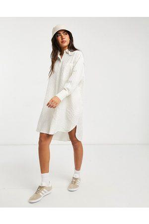 Vila Oversized shirt in white