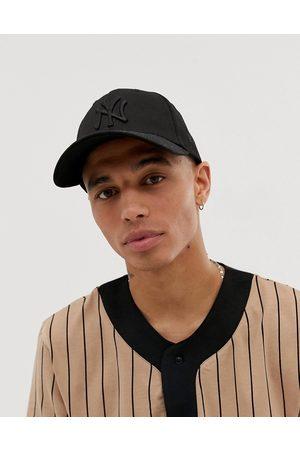 New Era MLB 9Forty NY Yankees adjustable cap in black