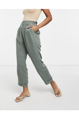 AMERICAN EAGLE Straight leg trousers in olive green