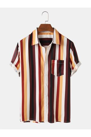 Newchic Hombre ligero y transpirable Colorful Stripe Holiday Short Sleeve Shirts