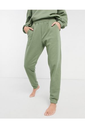 Chelsea Peers Eco jersey lounge joggers in sage green