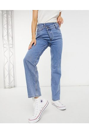 New Look Asymmetric button detail straight leg jean in mid blue