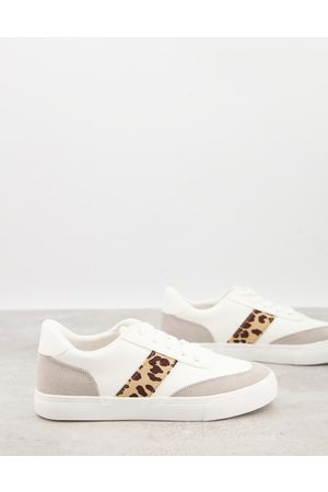 London Rebel Side stripe lace up trainers in white with leopard