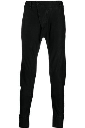 MASNADA Pantalones slim con bolsillos
