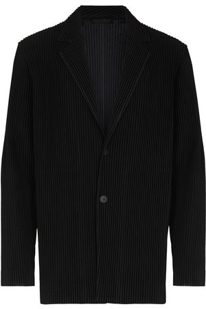HOMME PLISSÉ ISSEY MIYAKE Pleated single-breasted blazer