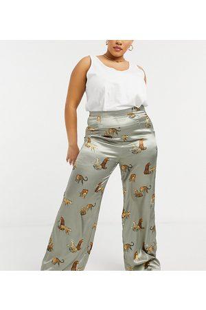 Chi Chi London Tiger print wide leg trouser co