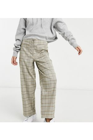 ASOS ASOS DESIGN Petite straight leg zip front trouser in brown check